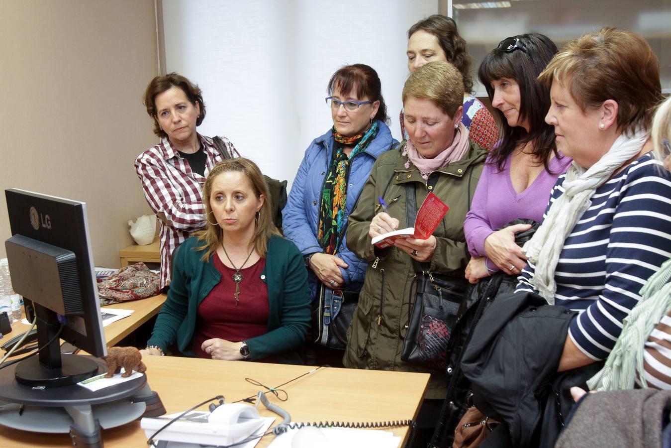 Visita de los alumnos de Periodismo de la Universidad Popular