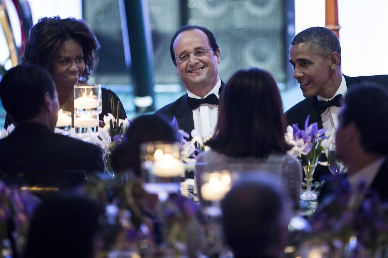 Los Obama agasajan a Hollande en la Casa Blanca
