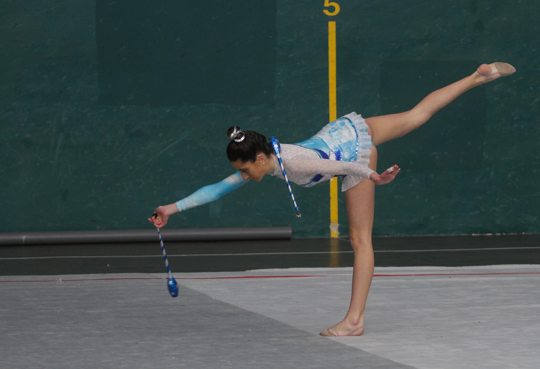Ejercicios individuales de gimnasia r tmica for Ejercicios de gimnasia